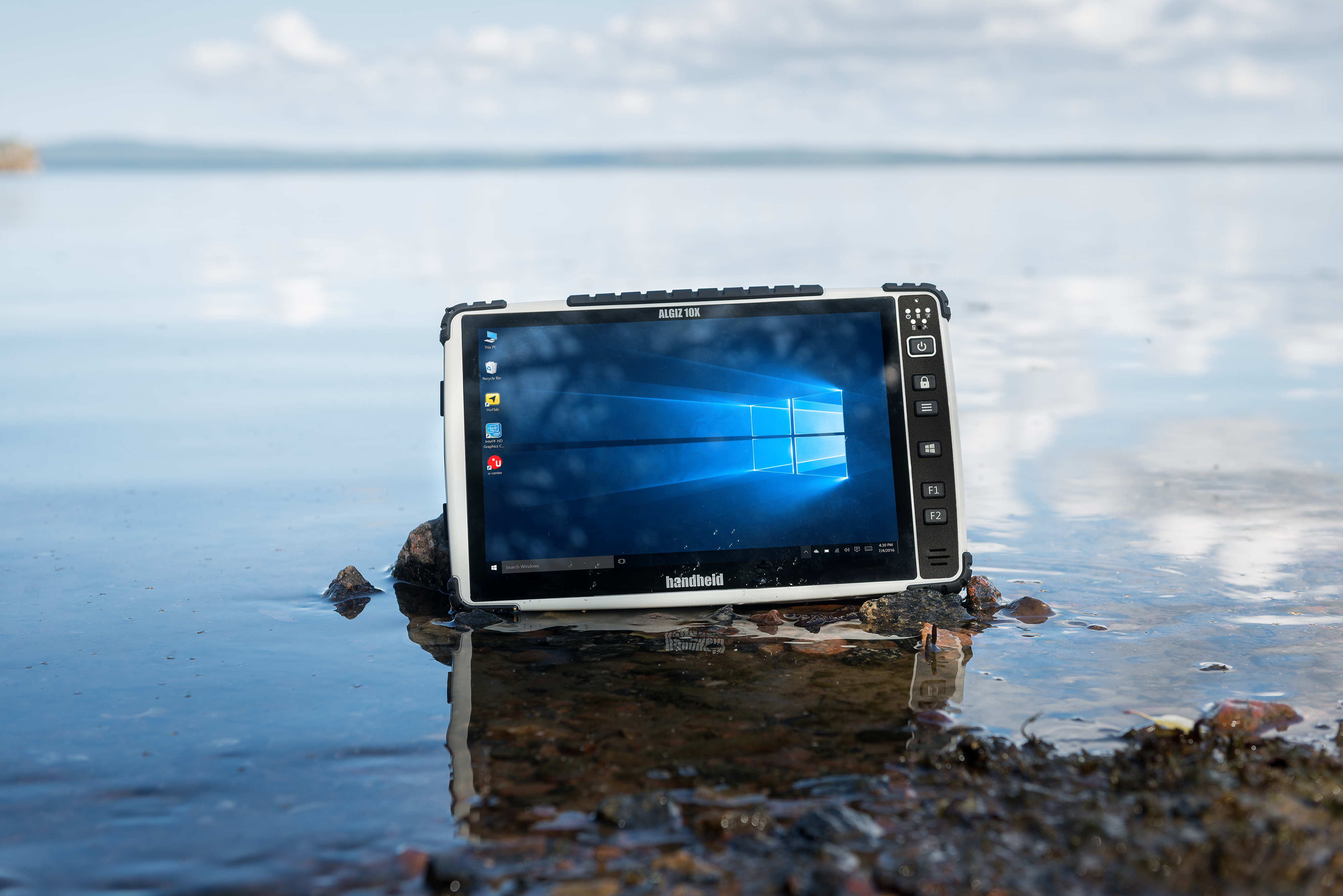 algiz-10x-rugged-pcap-tablet-water