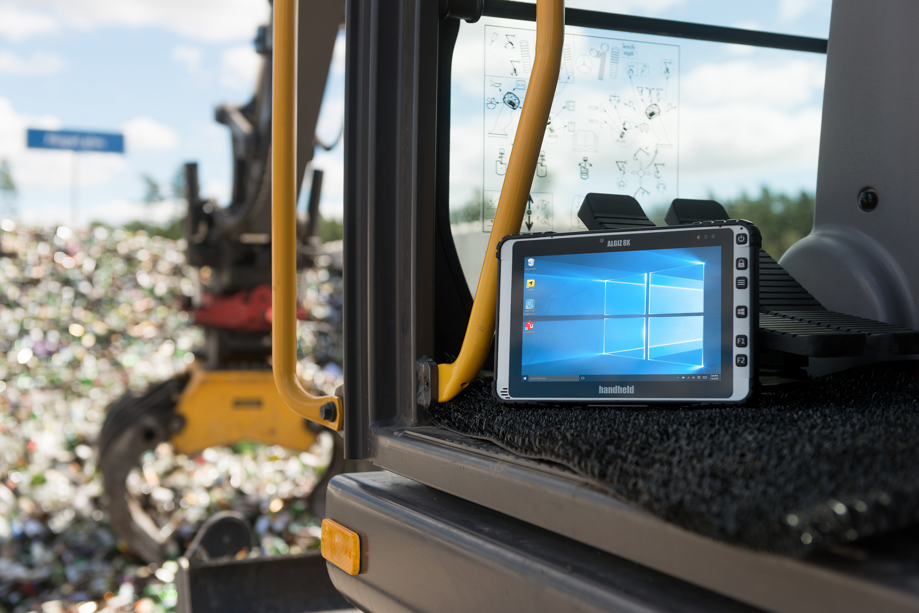 algiz-8x-rugged-machine-control-tablet