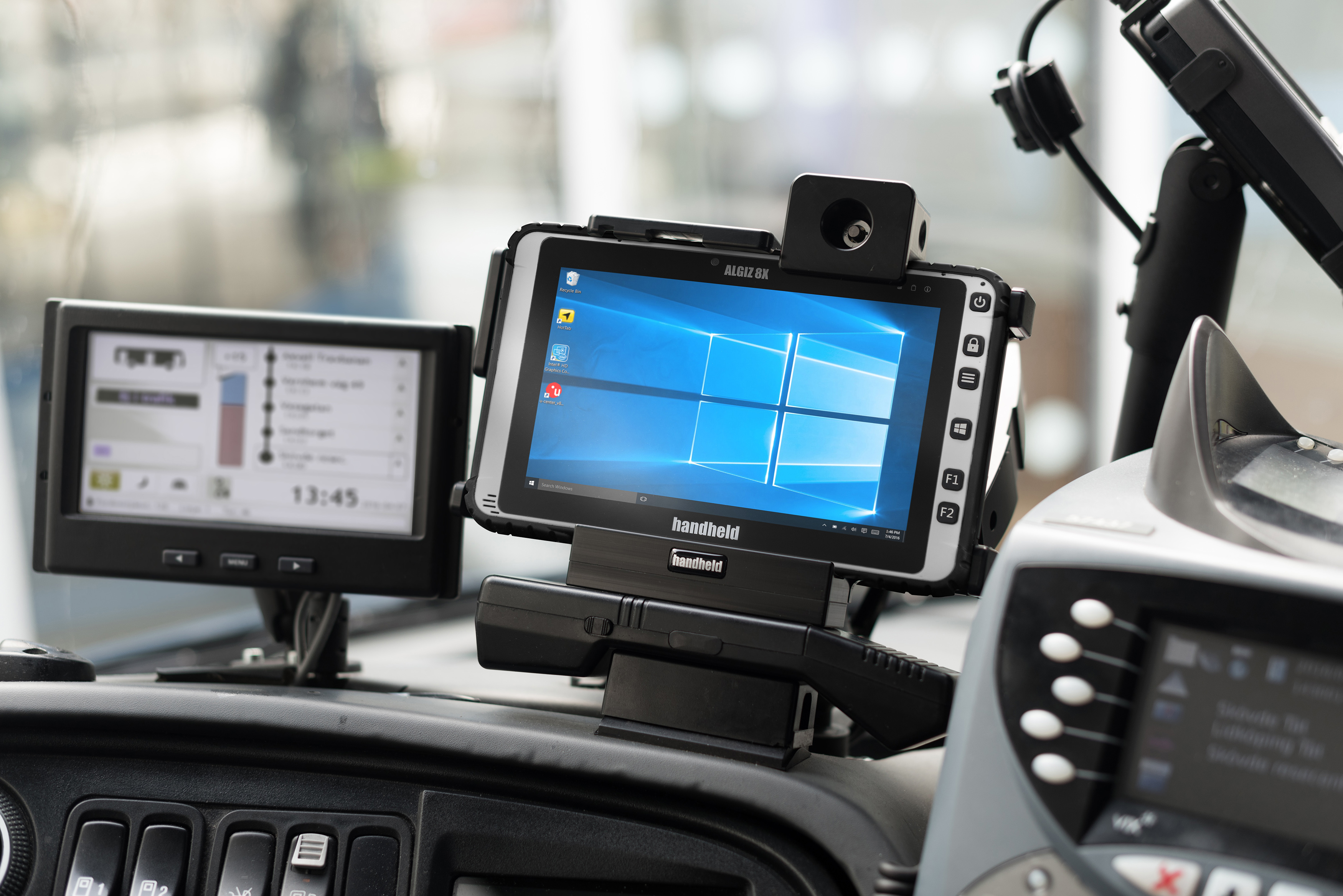 algiz-8x-rugged-tablet-vehicle-mount